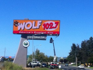 RP Wolf 102.7